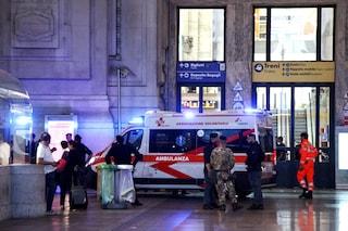 Milano, vigilante ferito con coltello e coccio di bottiglia: tra gli aggressori anche un 16enne