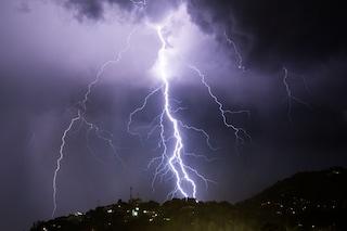 Allerta meteo arancione in Lombardia: temporali, grandine e vento su Varesotto, Valchiavenna e Lario