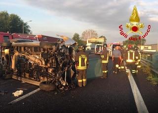 Grave incidente a Segrate sulla Rivoltana, camioncino si ribalta: un morto e sei feriti