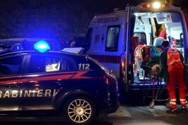 Tragedia Bonate Sopra uomo 39 anni uccide coltellate madre casa tenta suicidio