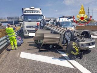 Incidente sull'autostrada A4: si ribalta auto con a bordo una bimba di 6 mesi