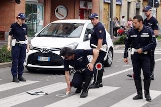 Milano, travolge 12enne sulle strisce pedonali e cerca di scappare: inseguito e bloccato