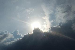 Previsioni meteo Milano 20-22 maggio: cieli nuvolosi e temperature in aumento fino a 27 gradi