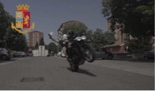 Milano, sparano colpi a salve per girare il video musicale di un rapper: denunciati quattro ragazzi