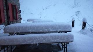 L'estate è finita: zero gradi e neve, Val Formazza e Stelvio si svegliano imbiancati