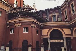 Milano, crolla il controsoffitto del cinema Ariosto: paura e due feriti