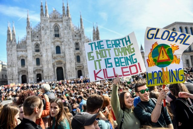 Fridays For Future, gli studenti pesaresi in corteo per l'ambiente. LE FOTO