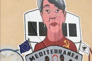 """Brescia, murales contro il medico della Mare Jonio Donatella Albini: """"Attacco vile e squadrista"""""""