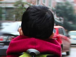 Brescia, in fin di vita il bambino di sei anni colpito da un improvviso malore fuori scuola