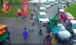 Milano, accoltella un uomo al torace e fugge: 23enne incastrato dalle telecamere di sorveglianza