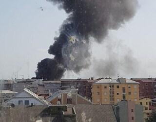 Incendio a Trezzano, esplode una fabbrica di cannabis legale: tre feriti di cui uno grave