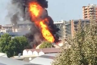 Esplosione e incendio a Trezzano: i carabinieri indagano sulla fabbrica di cannabis legale