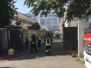 """Incendio a Trezzano, testimoni: """"Padre e i due figli sembravano torce umane"""""""