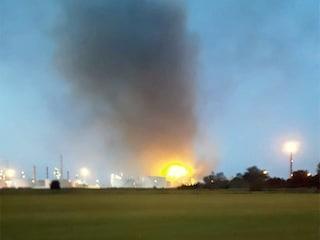 Raffineria Eni Sannazzaro de' Burgondi: esplosione e incendio all'alba