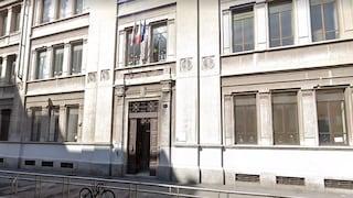 Milano, escrementi di topo in classe dei bambini: genitori in rivolta