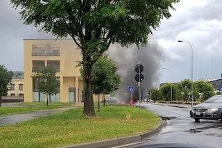 Esplode auto a gas nel Bresciano: al suo interno un uomo rimasto gravemente ustionato al volto