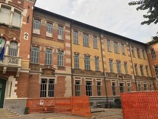 Caravaggio, scuola inagibile dopo il crollo del soffitto: 500 alunni dirottati in altri istituti