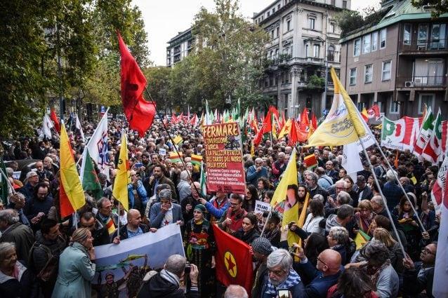 Troppi post in favore della causa curda, Facebook chiude la pagina di Milano in Movimento