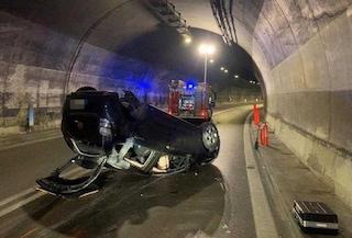 Iseo, auto si ribalta in galleria: ferito gravemente un ragazzo di 21 anni