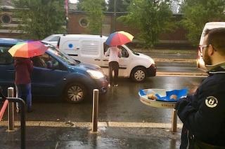 A Milano colazioni e aperitivi gratis agli automobilisti bloccati nel traffico