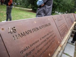 """Milano, inaugurato il nuovo Giardino dei Giusti al Monte Stella. Liliana Segre: """"Eroi umili"""""""