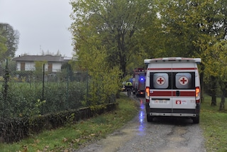 Bosisio Parini, trovato il cadavere di un uomo nel bosco: la zona nota per lo spaccio di droga