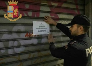 Milano, spaccio di droga vicino un bar di via Padova: la Questura lo chiude