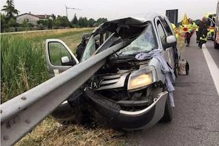 Roè Volciano, furgone esce di strada e viene infilzato dal guard rail: conducente in fin di vita
