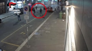 Milano: il figlio fa tardi, il padre scende e accoltella un suo amico. Incastrato da un video