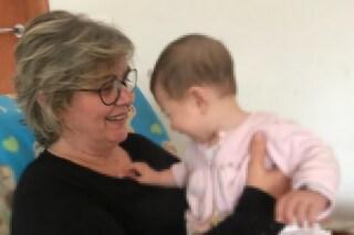 """Pina, malata di cancro che ha ospitato più di 40 bimbi in affido: """"I miei 'figli' mi hanno aiutata"""""""