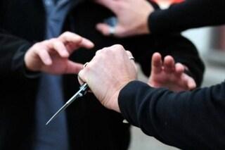 Cinisello Balsamo, lite tra ex cognati finisce in tragedia: 29enne accoltellato è in fin di vita