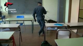 Controlli antidroga a scuola a Cinisello: gli studenti lanciano hashish e marijuana dalle finestre