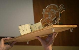 Bergamo, Rogue River Blue vince l'Oscar dei formaggi: è un gorgonzola americano prodotto in Oregon