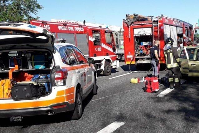Grave incidente sull'autostrada A9 a Origgio-Uboldo: 6 feriti, lunghe code verso Milano