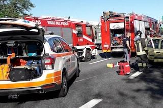 Incidente stradale a Castione Andevenno: scontro tra due auto e un furgone sulla strada Statale 38