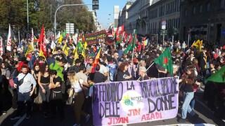 """Milano, manifestazione in solidarietà del popolo curdo: """"Efrin sarà il Vietnam per Erdogan"""""""