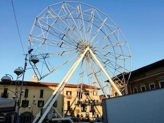 Gallarate, arriva la ruota panoramica H30: l'attrazione per vedere la città da trenta metri di altezza