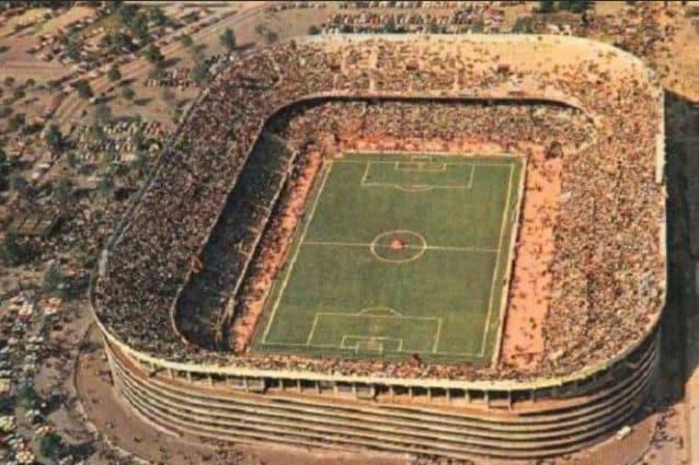 Lo stadio di San Siro dopo la realizzazione del secondo anello (Foto: Wikicommons)