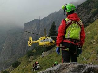 Edolo, tragico incidente in montagna: 61enne precipita nel vuoto e muore