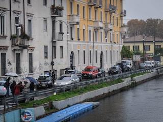 Milano, incendio in un sottotetto sui Navigli: morti due giovani fidanzati intrappolati in casa