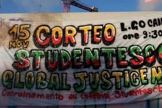 Milano, corteo studentesco 'Global justice now': vie del centro chiuse, deviati i mezzi Atm