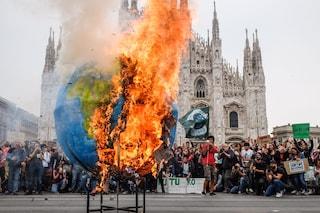 """Milano, Fridays for Future a Sala: """"Impegni sul clima non rispettati, serve una svolta"""""""