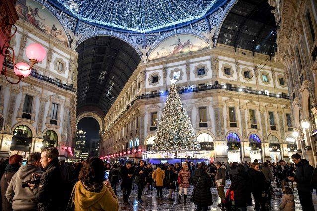 L'albero firmato Swarovski in Galleria a Milano nel 2018