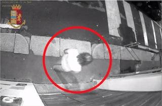 Milano, fermavano e rapinavano i tassisti in zona Navigli: arrestati un uomo e una donna