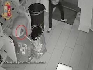 """Ladri rubano anche il giubbotto di """"Blade Runner"""" e la giacca di """"007"""": che fine hanno fatto?"""