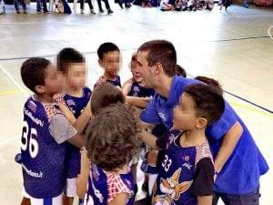 """Roberto, l'allenatore di minibasket picchiato dal padre di uno dei suoi ragazzi (Foto dalla pagina facebook """"La giornata tipo"""")"""