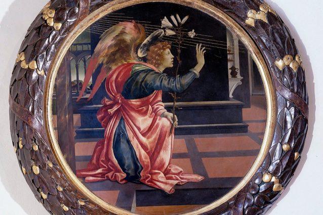 """Uno dei due tondi che compongono """"L'annunciazione"""" di Filippino Lippi"""