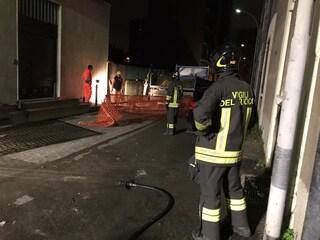 Cinisello Balsamo, fuga di gas in un palazzo di via dei Partigiani: sul posto i vigili del fuoco