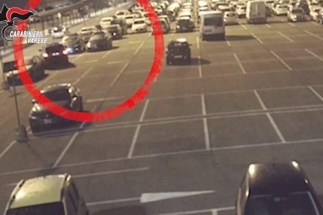 Rubavano auto nei parcheggi di Malpensa e Linate