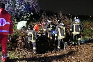 Carugate, drammatico incidente nella notte: auto finisce in un fossato. Grave ragazzo di 23 anni